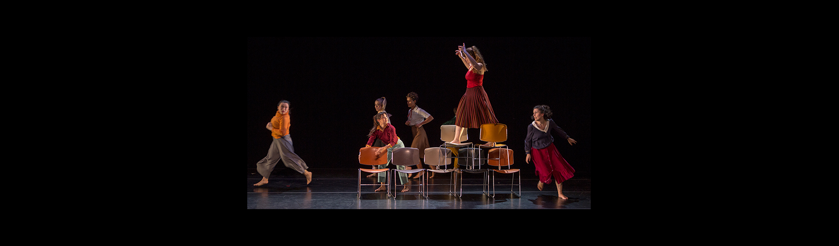 Shrinking Violet — Choreography: Rachael Lincoln / Costume: Michelle Lesniak / Photo: Tim Summers
