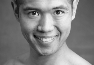 Warren Woo headshot